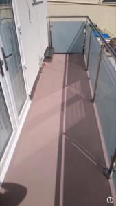 Non slip balcony system